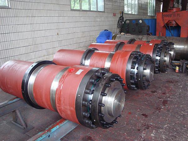 四柱液压机液压油缸(2000吨)-江东机械
